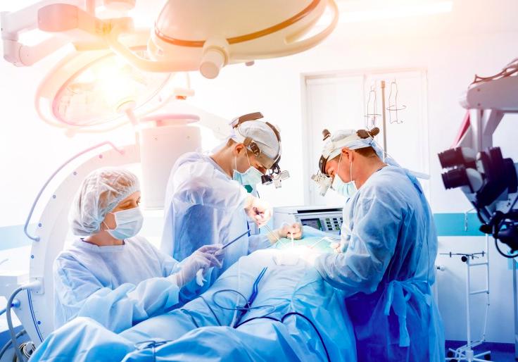 Operační výkony a ambulantní péče v plném provozu